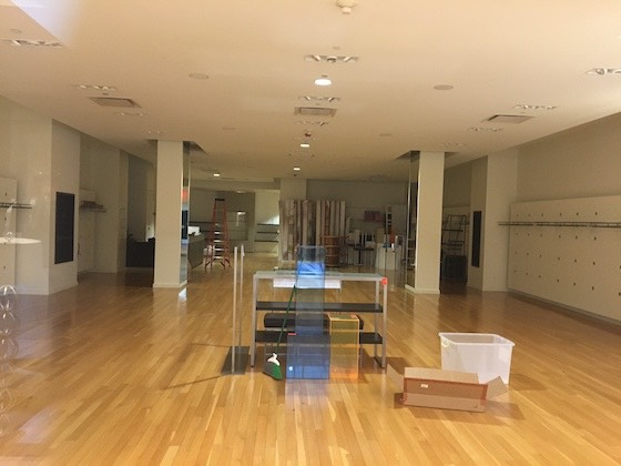 empty store
